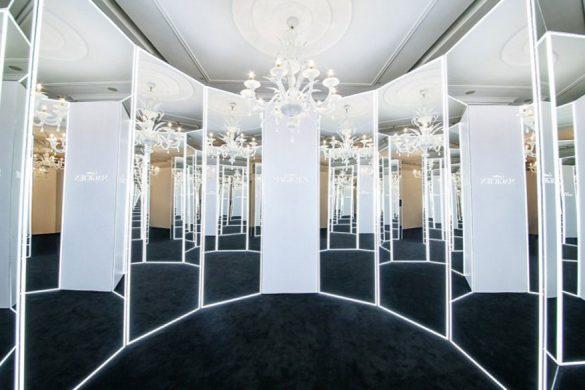 卡地亚全新Cartier Magicien高级珠宝展区内的镜面艺术装置效果