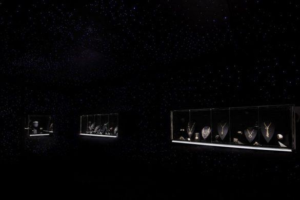 """卡地亚全新Cartier Magicien高级珠宝展——""""光影魔法""""主题展区"""