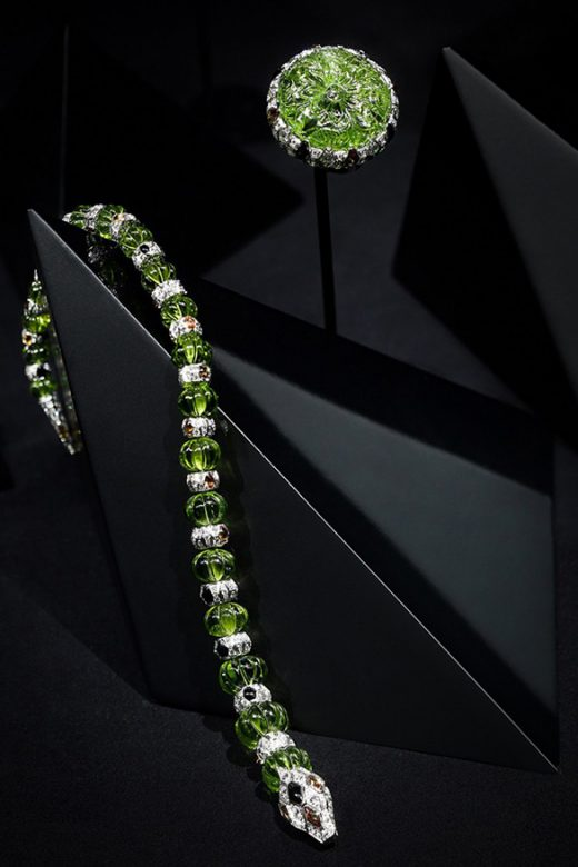 Cartier Magicien高级珠宝系列Green Anaconda手镯和戒指